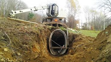 Te betonowe rury były do wyrzucenia. Pewien mężczyzna postanowił je wykorzystać i wybudował coś rewelacyjnego!