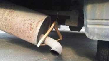 Czy każdy samochód da się naprawić? Tak, a zdjęcia tych aut dowodzą, że dla niektórych mechaników nie ma rzeczy niemożliwych