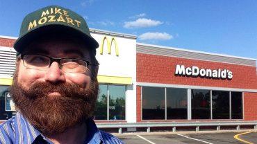 Pracownicy fast foodów zdradzają tajemnice swoich pracodawców! Dowiedz się tego, czego na głos nie mówią właściciele punktów ze śmieciowym jedzeniem