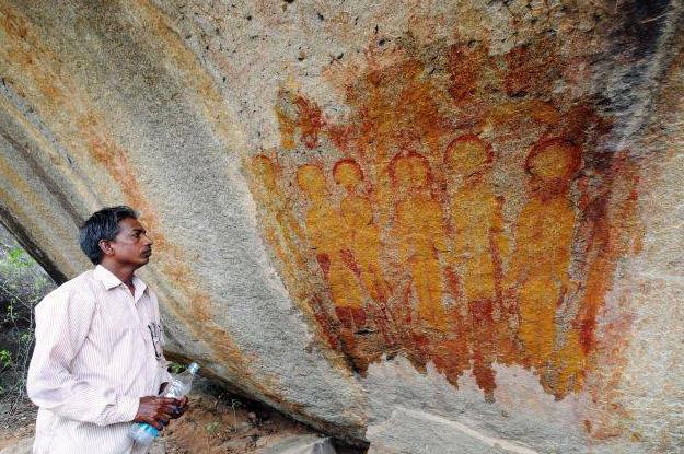 Liczące 10 tysięcy lat malowidła przedstawiające kosmitów i ich statki kosmiczne odkryto w Indiach!