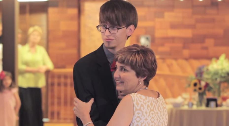 Rzeczy, które matka zrobi dla swojego dziecka... Szalony taniec Matki i Syna