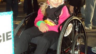 Mała baletnica tańczy… na wózku inwalidzkim!