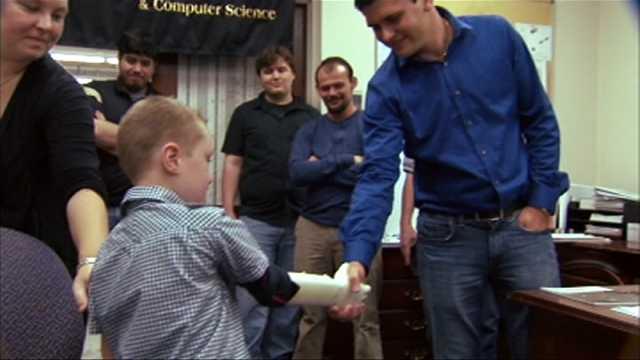 """Inżynierowie budują Ramię """"Bionic"""" całkowicie za darmo!"""