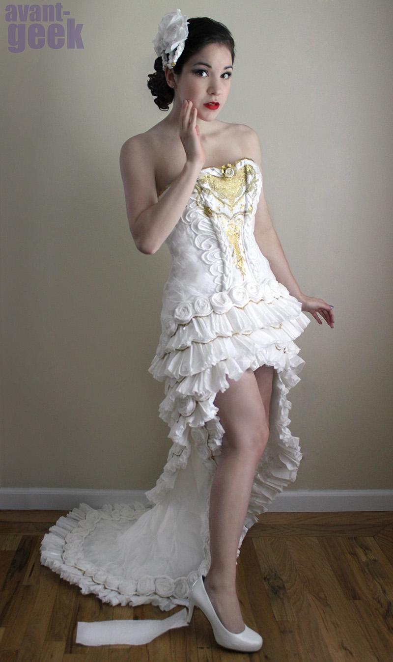 Niesamowita suknia ślubna... z papieru toaletowego!