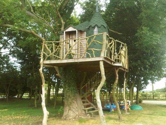 25 absolutnie cudownych domków na drzewie!