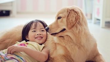 21 zdjęć niemowląt z psami, które rozczulają