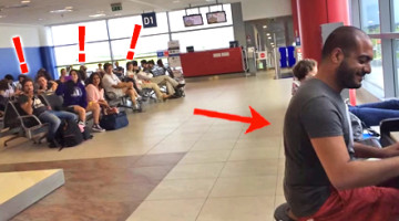 Pojawił się na lotnisku w Pradze i usiadł przy fortepianie. Zobacz, jaki był finał!