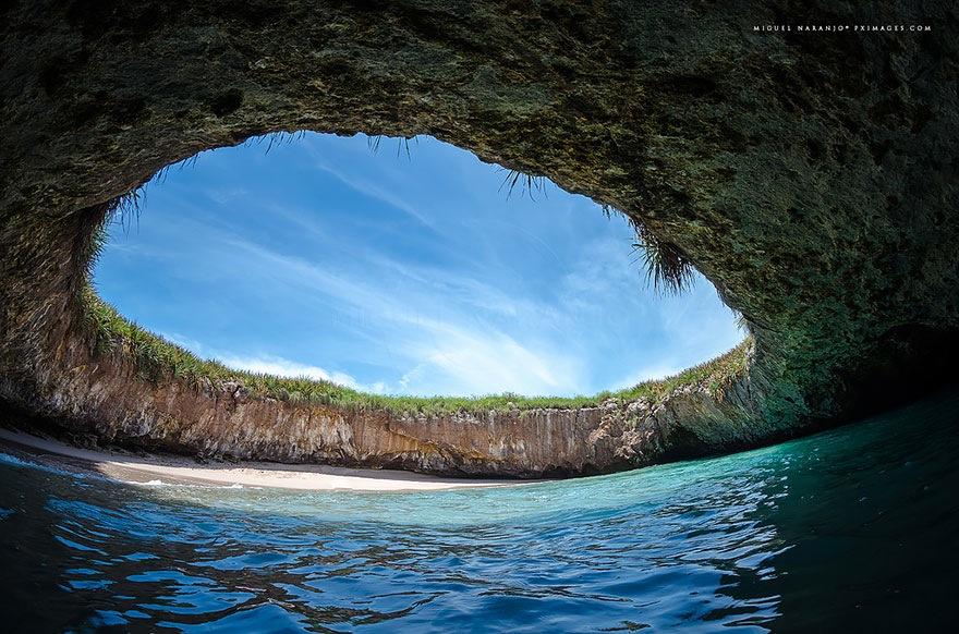 15 najbardziej niezwykłych plaż na świecie. 6 wygląda jak z innej planety!