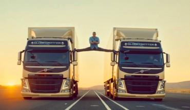 Szpagat na dwóch jadących ciężarówkach – czy to możliwe?