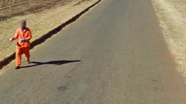 Przeglądając Google Street View, można wypatrzeć niesamowite sytuacje!