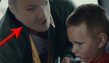 Ta fińska reklama pokazuje, jak dzieci postrzegają swoich rodziców, którzy nadużywają alkoholu. Naprawdę zmusza do myślenia!