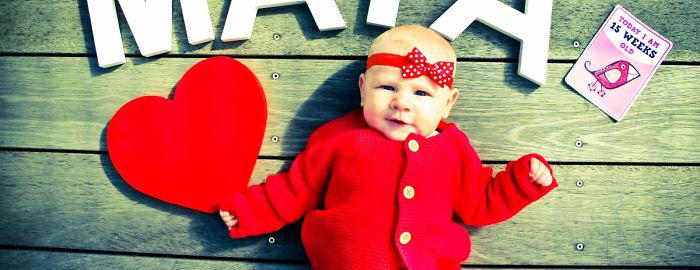 Mama robi kreatywne zdjęcia córeczki co tydzień. Zobacz to!