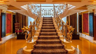 Dubaj – złoto szejków. Najdroższy pokój w najdroższym hotelu świata.