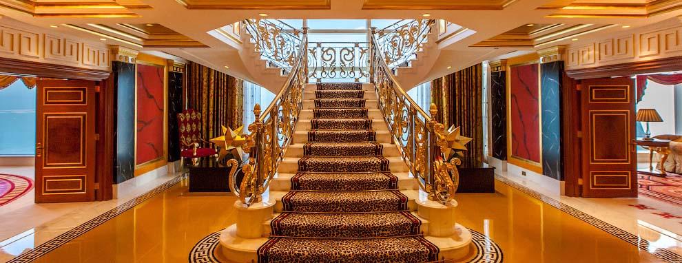 Dubaj - złoto szejków. Najdroższy pokój w najdroższym hotelu świata.