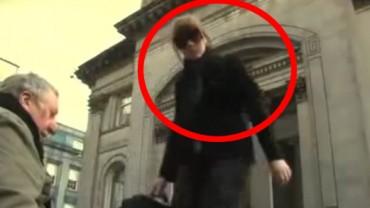 Ta kobieta zmieniła treść na tablicy niewidomego mężczyzny. Efekty jej działania naprawdę zdumiewają!