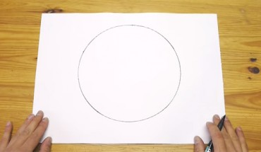 Jak narysować idealny okrąg bez użycia cyrkla? Dzięki tej metodzie to bajecznie proste!