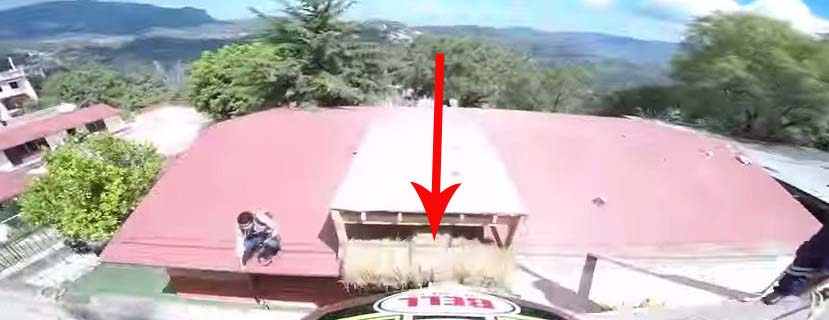 Ten gość robi na rowerze coś niesamowitego! Kiedy na to patrzę, mam ciarki!