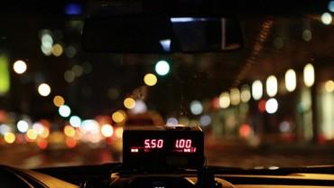 Taksówkarz nie spodziewał się, że ten kurs odmieni jego życie… Zobacz, co się wydarzyło!