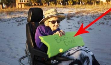 100 – letnia kobieta po raz pierwszy widzi ocean! Jej marzenie wreszcie się spełniło!