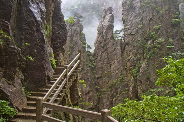 01-Huangshan-Paths-China