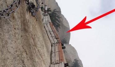 Jest nazywana najniebezpieczniejszą trasą na świecie. Odważyłbyś się nią przejść?