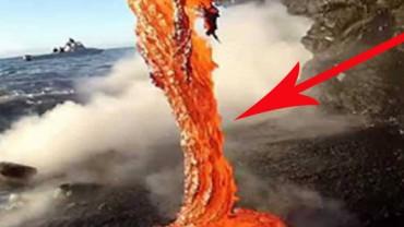 Unikatowe nagranie wycieku lawy do oceanu. Musisz to zobaczyć!