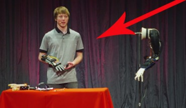 Ten chłopak zbudował protezę tańszą i lepszą niż te dostępne na rynku! Aż dziw, że ma dopiero 19 lat!