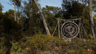Zobacz co powstanie gdy artysta spędzi rok w lesie! Na żywo musi to wyglądać jeszcze lepiej.