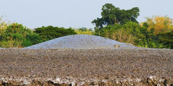 To bez wątpienia najmniejszy wulkan na świecie! Zobaczcie, jego wybuch!
