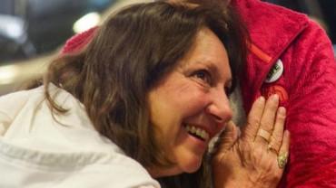 Usłyszała bicie serca swojego syna w klatce piersiowej obcej kobiety! To było niezwykle emocjonujące spotkanie!