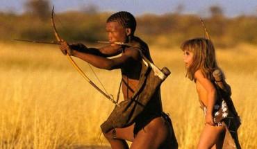 Ta dziewczynka, dorastała wśród dzikich zwierząt i tubylców! Ciężko uwierzyć, że to zdarzyło się naprawdę!