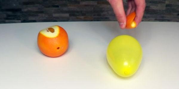 Wiecie co się stanie, gdy skropicie balon sokiem ze skórki pomarańczy? Nie? To zobaczcie!