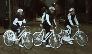 Rowerowe przejażdżki po zmroku nie muszą być niebezpieczne. Poznaj najnowszy sposób na poprawienie widoczności rowerzystów.