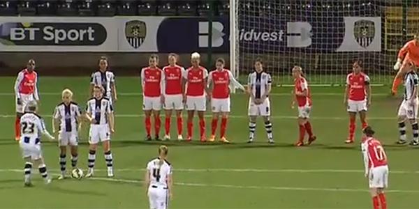 Kobiecy football jest równie atrakcyjny, co jego męski odpowiednik. Ta akcja jest tego najlepszym dowodem!