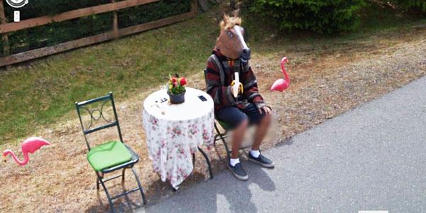 Zobacz najdziwniejsze obrazy zarejestrowane przez Google Street View!  Może jesteś na którymś z nich?