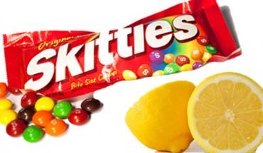 Wzięła paczkę Skittles i niewielką cytrynę. Niewiarygodne, co przygotowała z tych dwóch składników. Po prostu Wow!