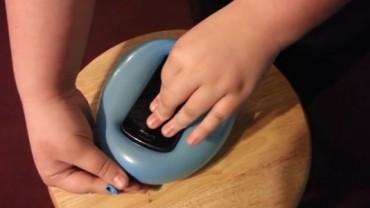 Zobacz najlepszy patent na szybkie etui do telefonu! To niesamowite, jakie to proste i kreatywne!