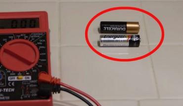Jak sprawdzić żywotność baterii alkalicznej? Istnieje na to bardzo prosty sposób!