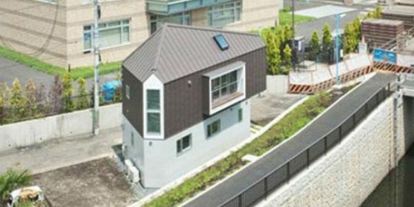 Ten mały dom zadziwia swoją funkcjonalnością. Sprawdź, co kryje się w jego wnętrzu