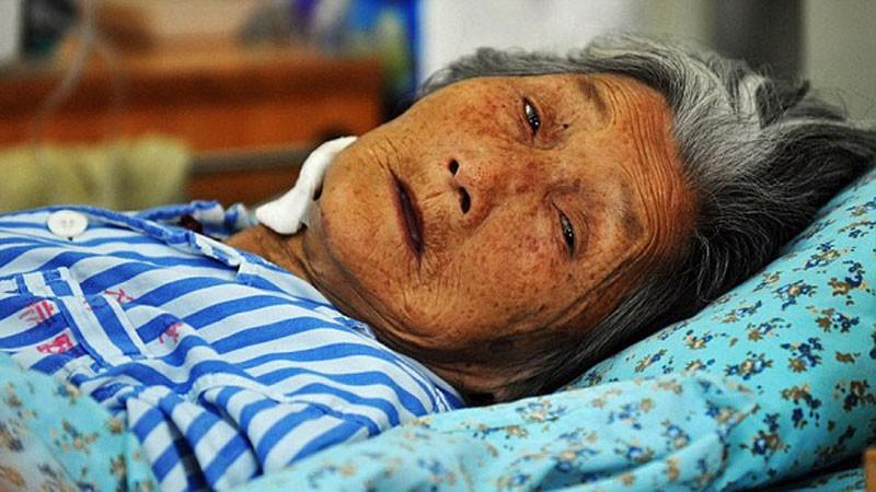 Przez 40 lat ratowała noworodki porzucane na śmietnikach! Jej historia wyciska łzy z oczu...
