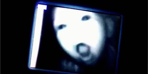 Zobacz 10 zdjęć, które zostały zrobione w nocy w dziecięcych pokojach. Nr 7 jest straszny!