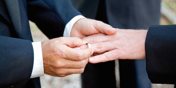 Mężczyzna z Pensylwanii poślubił swojego adoptowanego syna!