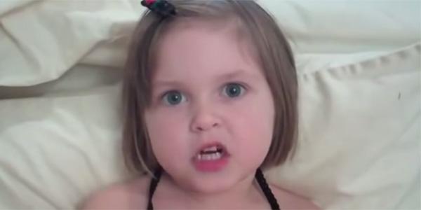 Ta mała dziewczynka ma ważną wiadomość, którą powinien poznać cały świat!