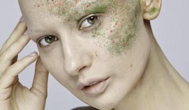 Piękna modelka zachorowała na raka i stanęła przed dramatycznym wyborem