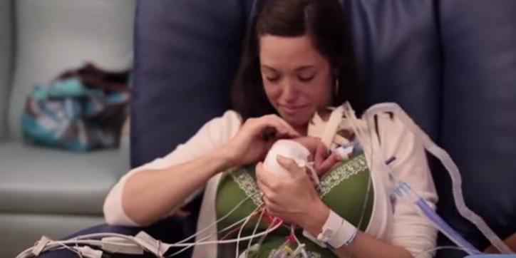 Ten film prezentuje, jak wielką moc ma współczesna medycyna i rodzicielska miłość!
