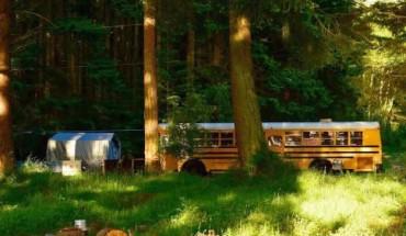 Ta rodzina postanowiła zrealizować swoje marzenia: zakupiła autobus, wyremontowała go i udała się w podróż życia!