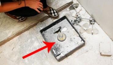 Podczas remontu kuchni odkryli, że coś znajduje się pod podłogą… To, co wyciągnęli, przyprawiło ich o zawrót głowy!