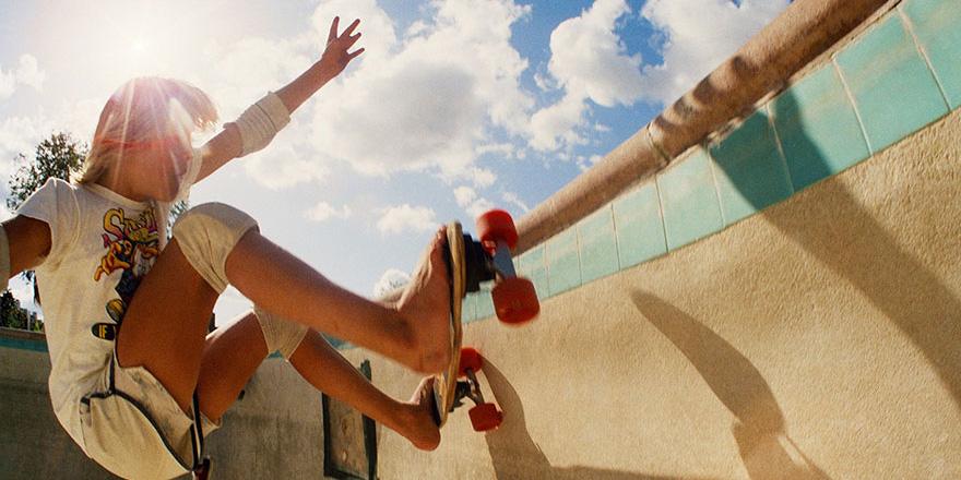 Te zdjęcia prezentują narodziny skateboardingu w Kalifornii