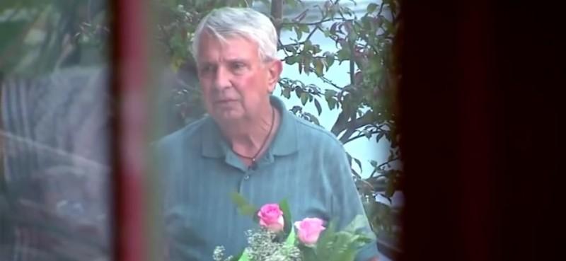 Ten człowiek spotkał się z kobietą, którą odnalazł porzuconą w lesie, 58 lat temtu!