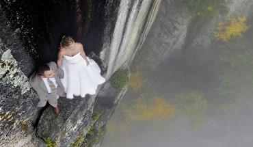 Orginalna sesja ślubna? Może na klifie na wysokości stu metrów nad ziemią?